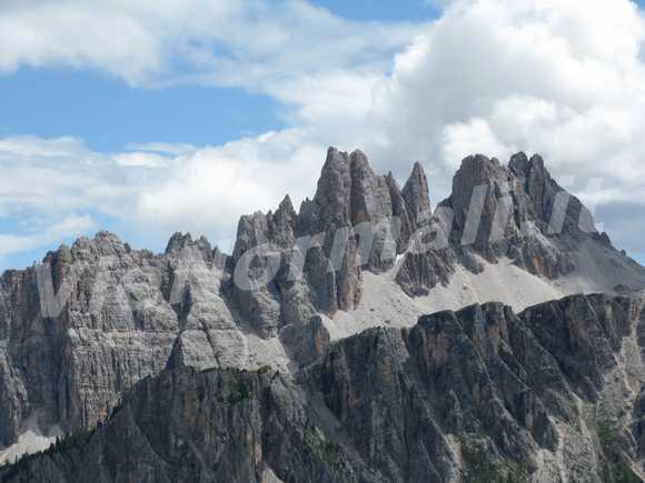 <font size='3'>Vista da sopra Cortina Ampezzo</font>