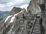 Via Normale Corno di Lago Scuro - Passerelle lungo il percorso