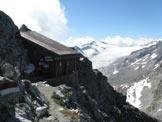 Via Normale Corno di Lago Scuro - Il bivacco sotto la cima