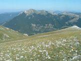 Via Normale I Cantari - Dai Cantari vista di Campo Staffi con il Monte Cotento, la seggiovia Val Granara e la pista Vallone