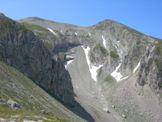 Via Normale Monte Mozzone - Salendo sul Mozzone vista della Vetta Occidentale del Monte Corvo 2533 m
