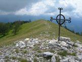 Via Normale Monte La Serra - La Croce di vetta di Monte La Serra 1607 m
