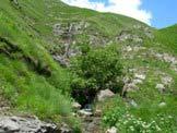Via Normale Pizzo di Moscio - Particolare della cascata proveniente da un Fosso della Solagna