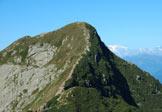 Via Normale Monte Tamaro - Il Tamaro da Motto rotondo. Frontalmente la cresta E di discesa.