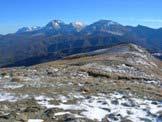 Via Normale Monte di Mezzo di Campotosto - Salendo sul Monte di Mezzo di Campotosto, vista del Gruppo del Gran Sasso