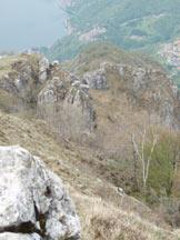 Via Normale Sasso di Cressogno - Monte dei Pizzoni - Prima parte della cresta di salita col Lago di Lugano
