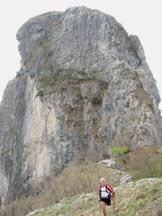 Via Normale Sasso di Cressogno - Monte dei Pizzoni - Il Sasso di Cressogno salendo alla quota 1289