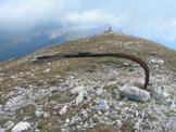 Via Normale Monte San Franco (da N) - La Croce di vetta piegata dal ghiaccio e dal vento