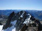 Via Normale Piz Kesch - Panorama verso est: l´Aguoglia d´Es-cha o Keschnadel e la Keschgrat