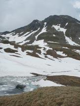 Via Normale Piz de Val Rossa - Il Piz de Val Rossa dai Laghi di Quota 2548