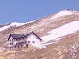 Via Normale Cima Telegrafo - Il Rif. Telegrafo sotto l´omonima cima