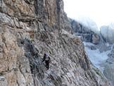Via Normale Cima Brenta - normale sud - Lungo la cengia che porta alla rampa