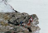 Via Normale Corno di Lago Scuro - Spigolo NE - La sosta del primo tiro