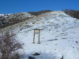 Via Normale Monte Macchia Gelata - La Sella di Monte Macchia Gelata e, in fondo, il Monte Macchia Gelata
