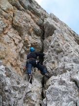 Via Normale Campanile Basso - In arrampicata sul camino ad Y