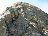 Via Normale Cima Pianchette - Pizzo di Gino - Il risalto roccioso all´inizio della cresta ESE del Pizzo di Gino, da aggirare a destra