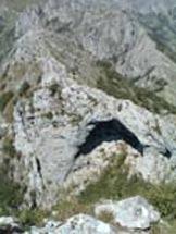 Via Normale Monte Forato - Cima Sud -  Il Foro visto salendo la Vetta Sud del Forato