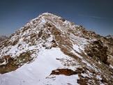 Via Normale Sassa di Fora - All�inizio della cresta SW e la vetta