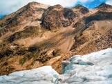 Via Normale Pizzo di Dosdé - da SW - In discesa sul ghiacciaio, a sinistra il Pizzo di Dosdé