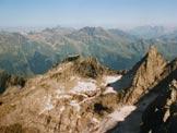 Via Normale Pizzo Porcellizzo - Al centro il Pizzo e a destra la Punta di Trubinasca, dalla vetta