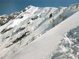 Via Normale Monte Lago - In salita, al centro la vetta