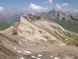 Via Normale Piz Piot - In primo piano il Grauhörner, all'orizzonte il Piz Platta, dalla vetta