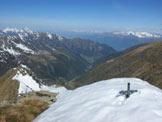 Via Normale Cima Vallocci - Al centro la Val Tartano dalla vetta