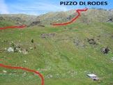 Via Normale Pizzo di Rodes - In basso a destra l'Alpe Rodes (Baita le Moie di Rodes)