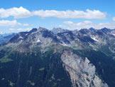 Via Normale Corno di Boero - Dalla cima vista su cime vicine e lontane e sull´enorme frana della Val Pola