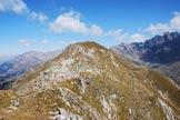 Via Normale Sasso Grande - Il Sasso Grande dalla cresta a Sud-Ovest del Passo di Riguccio.