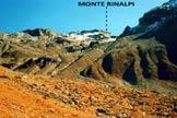 Via Normale Monte Rinalpi - A centro immagine i cordoni morenici basali
