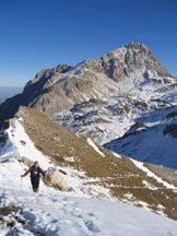 Via Normale Pizzo Cefalone (cresta E) - Lungo la salita, con Corno Grande e Piccolo sullo sfondo