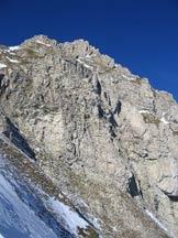 Via Normale Pizzo Cefalone (cresta E) - La parete E vista dalla sella sulla cresta E