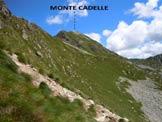 Via Normale Monte Cadelle - Versante SE del Passo di Porcile, a mezzacosta è visibile il sentiero