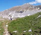 Via Normale Monte Tartaro - L´ingresso al Cavallaro, la cima sullo sfondo