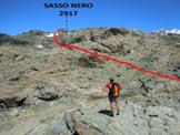 Via Normale Sasso Nero - In salita verso la vetta SE (q. 2917 m)
