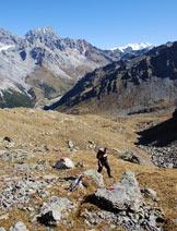 Via Normale Monte Forcellino - Via Normale da E - Risalendo il dosso al centro della valletta, poco sotto il passo.
