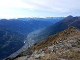 Via Normale Monte Storile - Via Normale da E - La piana di Grosio e le Orobie dalla vetta.