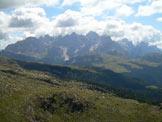 Via Normale Cima di Lusia - Dalla cima, vista memorabile sulle Pale di San Martino.