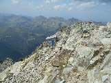 Via Normale Cima d´Asta - Canalone S e cresta W - Il Bivacco Giuseppe Cavinato al termine della cresta W