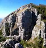 Via Normale Monte Taburno (cresta SE) - Il pilastro roccioso alle spalle della prima anticima