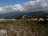 Via Normale Monte Gennaro - Vista ad E verso i grandi massicci appenninici