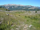 Via Normale Punta  Macerola - Il Monte La Magnola visto salendo da Rovere sulla Punta Macerola