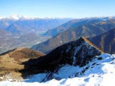 Via Normale Monte Combana - Cresta E - A sinistra il M. Olano, a destra la Cima della Rosetta, dalla vetta
