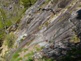 Via Normale Pizzo d�Eus - La placca coi gradini scavati nella roccia