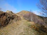 Via Normale Monte Croce di Muggio - da ESE - In salita, al centro la cima
