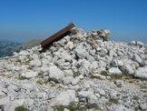 Via Normale Monte Cornacchia - il punto trigonometrico atterrato sulla vetta del Monte Cornacchia, 2003 m
