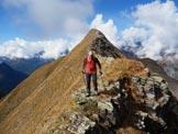 Via Normale Monte Cimone - Il mio compagno Sandro sotto la cresta