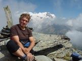 Via Normale Mont Rothorn - Vetta. Dietro, fra le nuvole, il Monte Rosa.