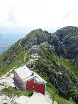 Via Normale Resegone - Canalone Bobbio - Rifugio Azzoni visto dalla cima